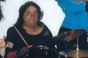 Norma_Bravo_-_drumming300x200