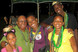 l-r_Jada_K_to_Shirre_Lanay__Reuben_USF_Homecoming_Parade_10-2008__2_300x200